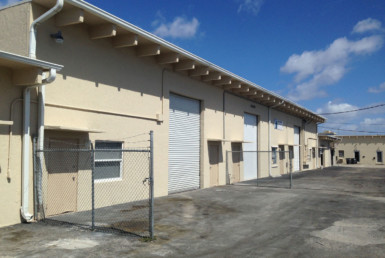 2,000 SF Warehouse for Lease