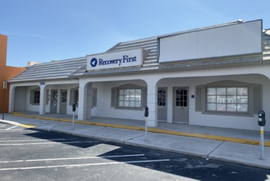 2,450 SF Retail / Office For Lease